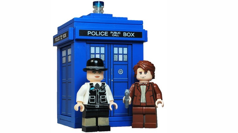 Someone please make these Doctor Who Lego minifigs