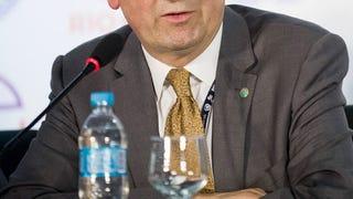És hogy köti meg a nyakkendőjét a legmagasabb rangú magyar diplomata?