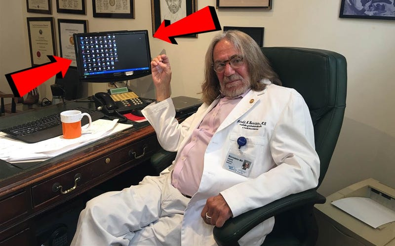 Trump's Weirdo Doctor Uses Windows XP, Which Could Be a Violation of HIPAA