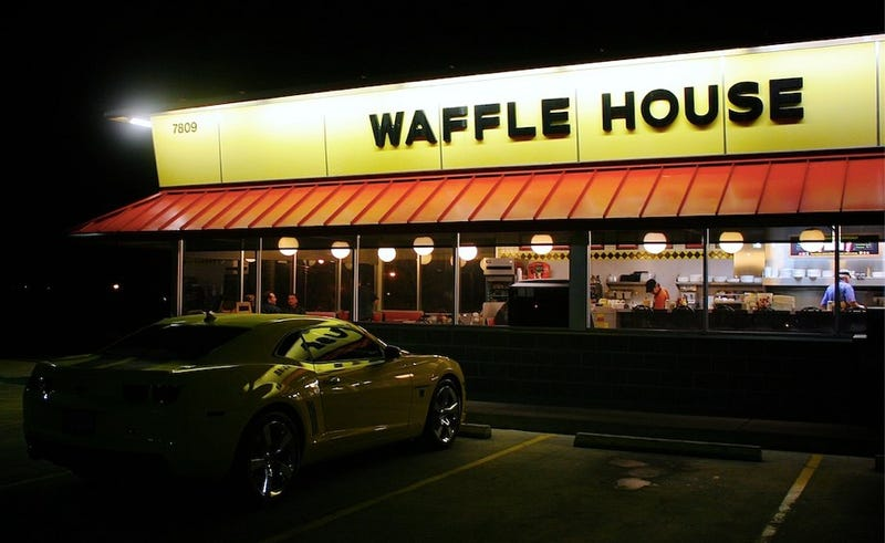 Waffle House Makes Waitress Give Back a $1,000 Tip