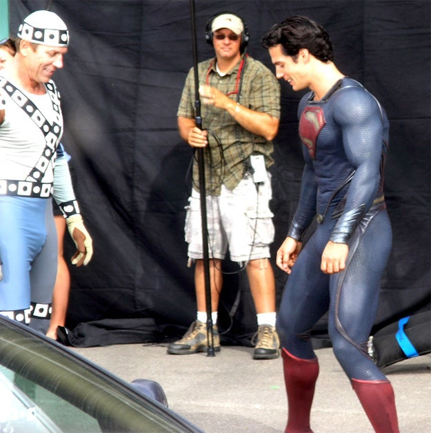 New Superman set pics show off Clark Kent's blue alien bulge