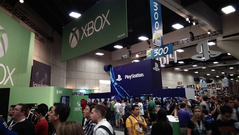 The Xbox One And PlayStation 4 Face Off On The Comic-Con Show Floor