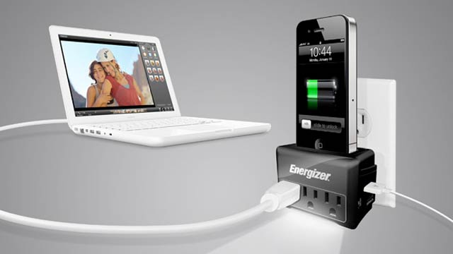 Is This the Definitive iPhone/iPad/Computer Travel Charger?