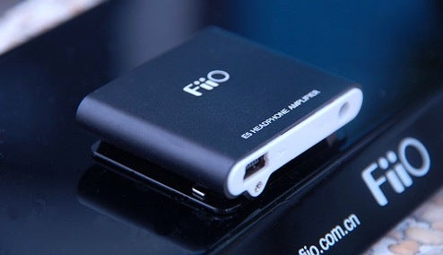 Fiio's E5 Headphone Amp Steals iPod Shuffle Form Factor
