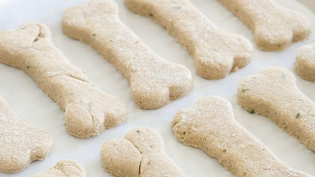 Bake Easy Homemade Dog Treats with Flour and Baby Food