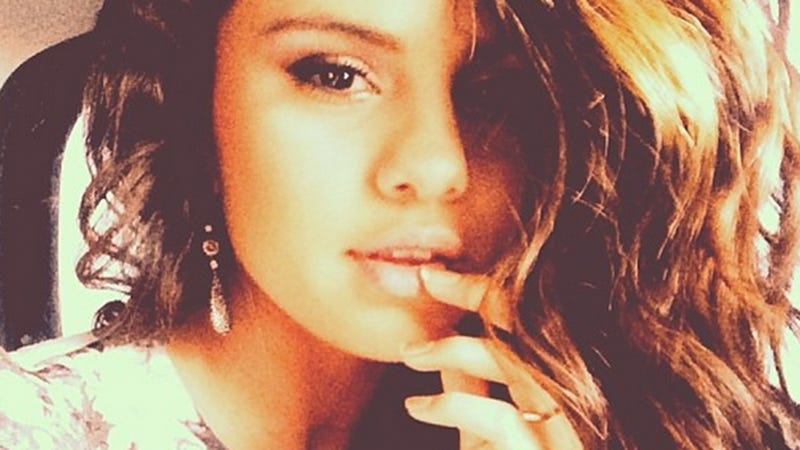 Selena Gomez Deletes Famous Friends From Instagram, Life