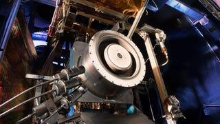 Este propulsor iónico es parte del futuro de la exploración espacial