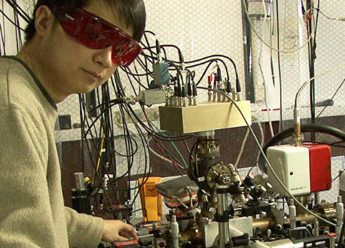 This Quantum Clock Is 100,000 Times More Accurate Than the Atomic Clock
