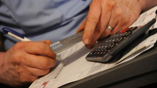 Tape Financial Goals to Credit Cards to Avoid Spending