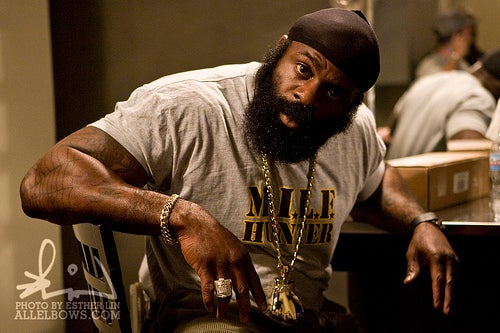 If You Were Worried Kimbo Slice Wouldn't Have Anyone To Beat Up, Relax
