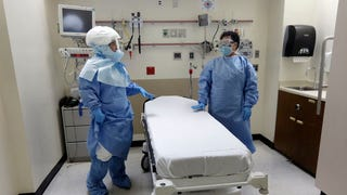 Doctor in New York Tests Positive for Ebola