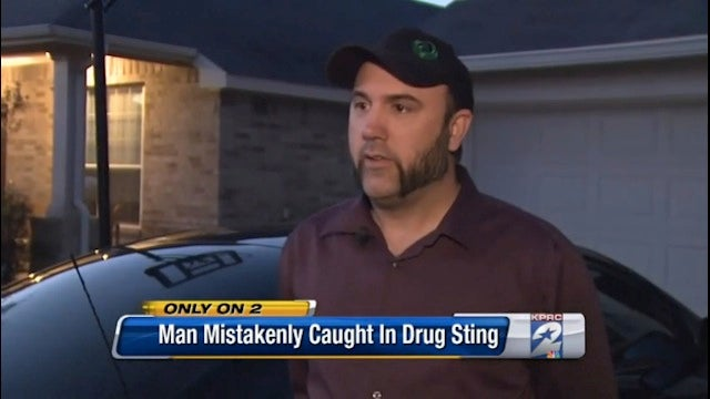 Man Mistakenly Busted in Drug Raid After Giving Homeless Man $0.75