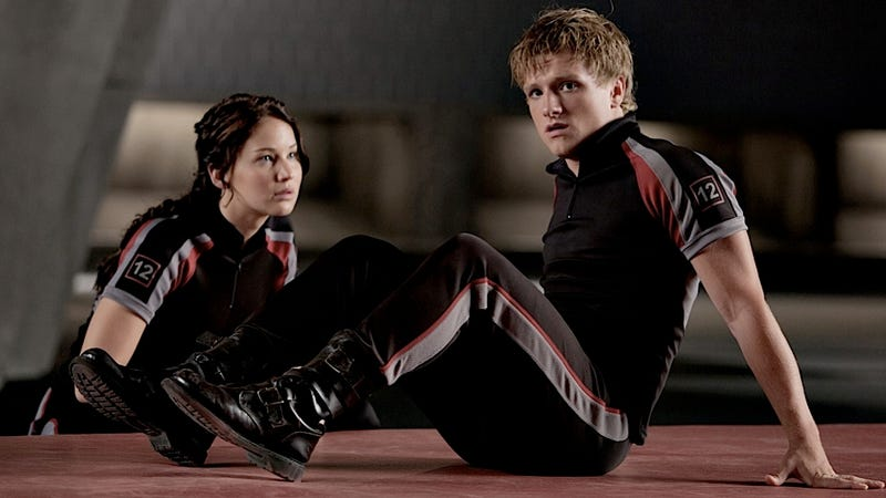 The Hunger Games Has Killed 90s Nostalgia This Weekend, Despite Having Awful Costumes