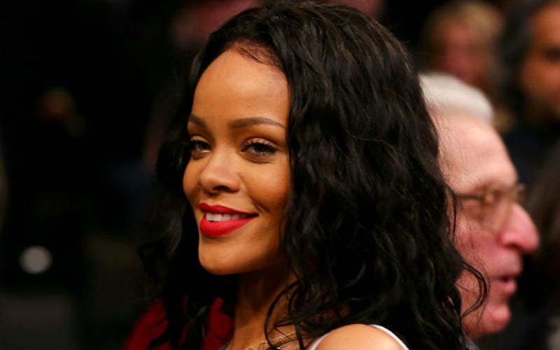 """Rihanna Accused of Cyberbullying Teen Fan Over """"Prom Bat"""" Outfit"""