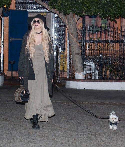 Taylor Momsen's Dog Keeps His Distance