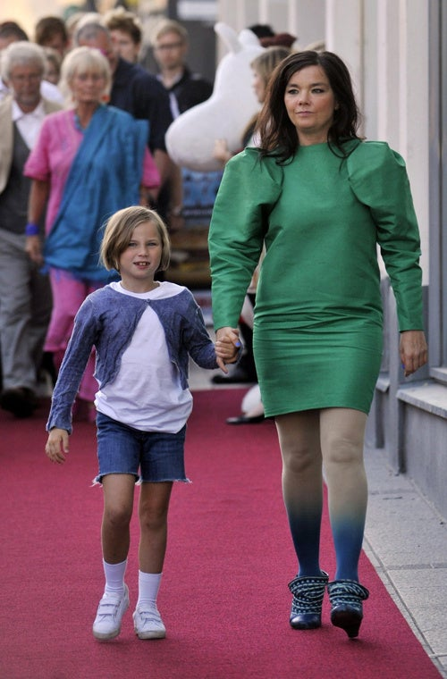 Björk Is A Well-Armed Mommy