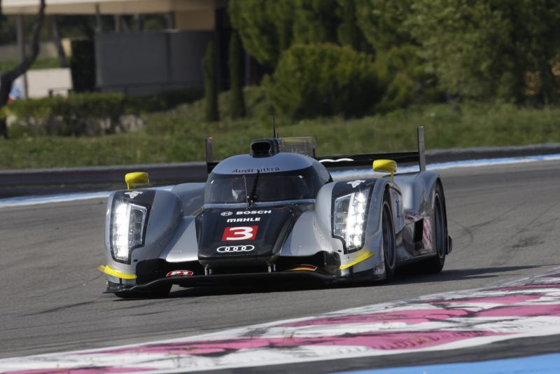 Audi R18 TDI gets a carbon fiber paint job
