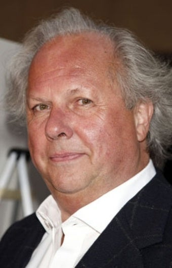 Graydon Carter Wields a Pink Pencil When Filling Out His Seating Chart