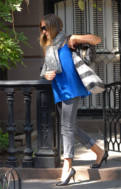 Sarah Jessica Parker: Thick Scarf, Skinny Jeans
