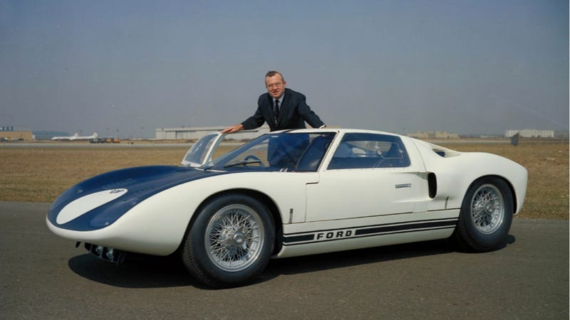 Read This Before You See Tom Cruise Play Ferrari-Hating Carroll Shelby