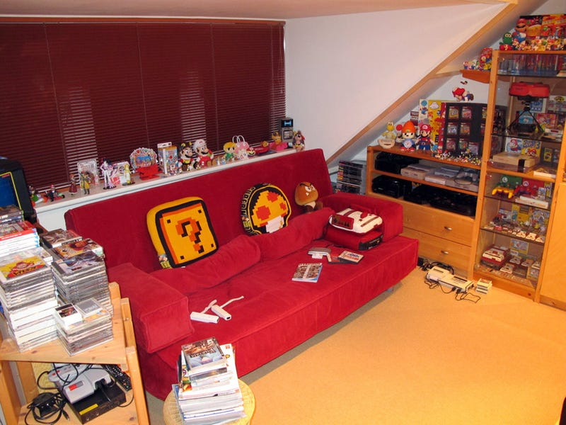 A Retro Gaming Room I Could Die In
