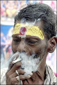 New Delhi Outlaws Smoking While Driving