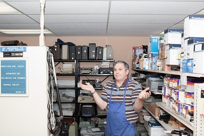 Meet the Last Generation of Typewriter Repairmen