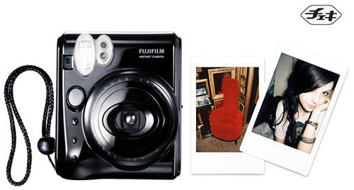 Fujifilm's Instax mini50S Cheki is a Cute Polaroid Alternative