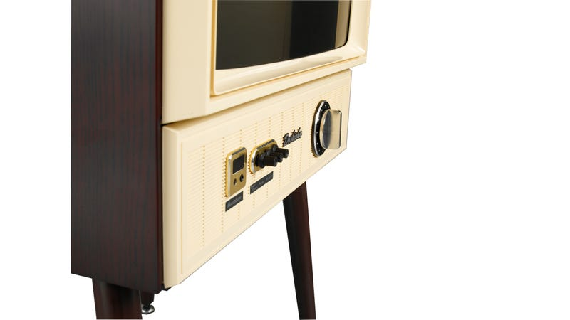 This Retro TV Is Filled With Modern Electronics