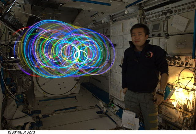 "Japanese ""Spiral Top"" makes zero-gravity light paintings aboard the ISS"