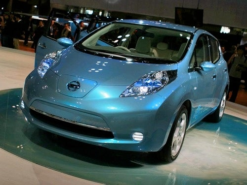 Nissan Planning To Resell Used Leaf Batteries