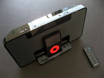 Altec Lansing im600: A Thin Dock/FM Radio for Your iPod