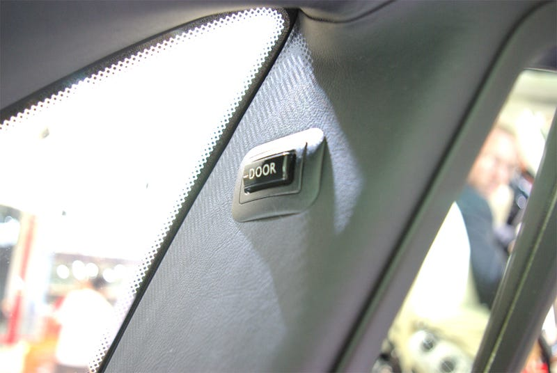 Rolls Royce 200EX Auto-Adjusting Purse Holder For The Ladies