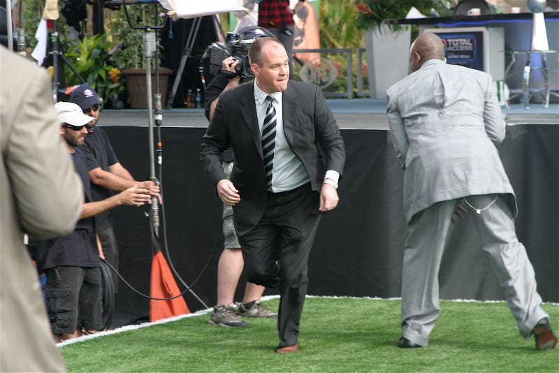 Rich Eisen's 40-Yard Dash An Amusing Special-Effects Bonanza