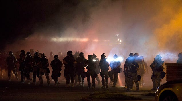 The Dress and #Ferguson Are the Two Sides of Flash Media Events