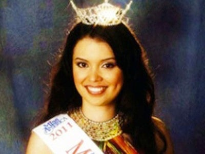 """Fat"" Beauty Queen Wins Back Crown"