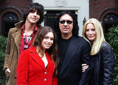 Hollywood PrivacyWatch: Gene Simmons and Family