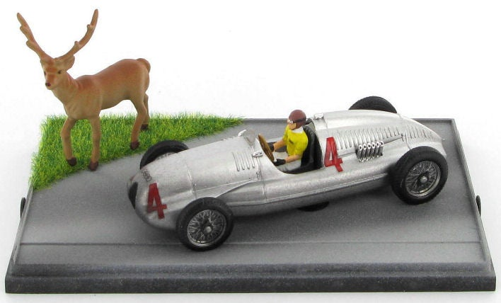 Tazio Nuvolari, deer hunter with Silver Arrow