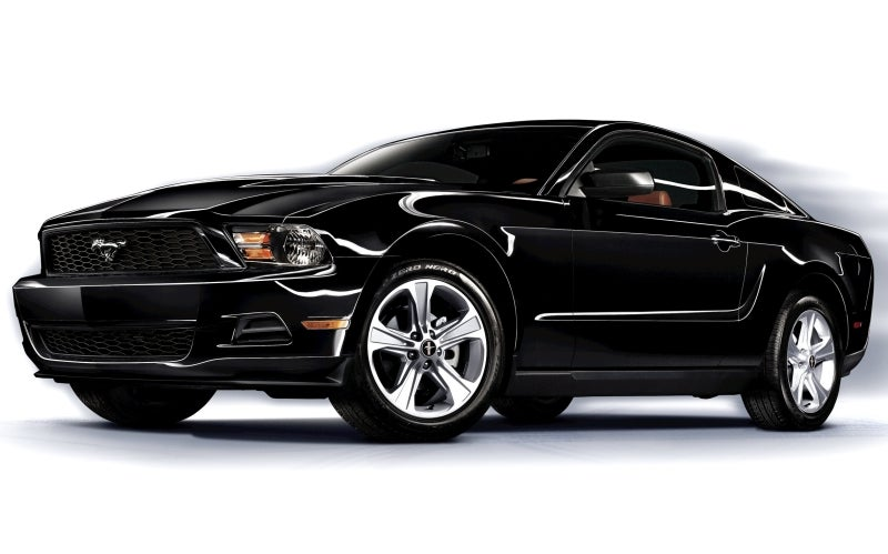 2011 Ford Mustang Gets New 305 HP V6, 30 MPG