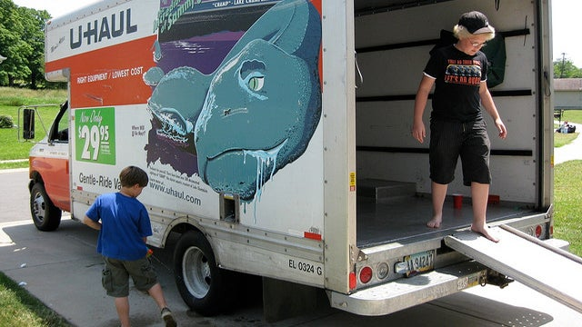 Hire Reputable Movers to Avoid Moving Day Disasters
