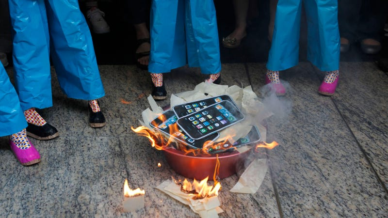 Is It Immoral to Own an iPhone 5?