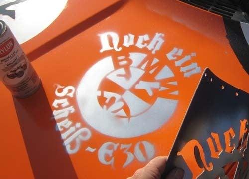 New, Improved 'Noch Ein Scheiß-E30' Stencil Makes LeMons Debut