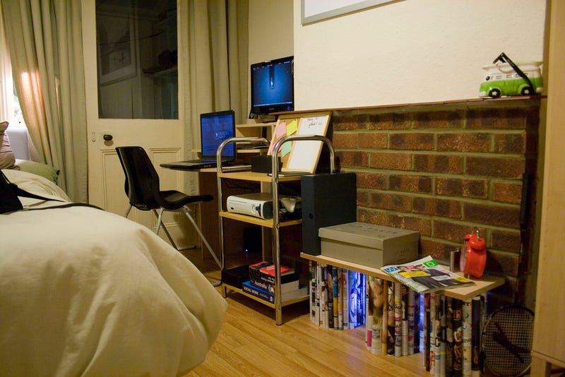 Brick and Plaster: An English Student's Workspace