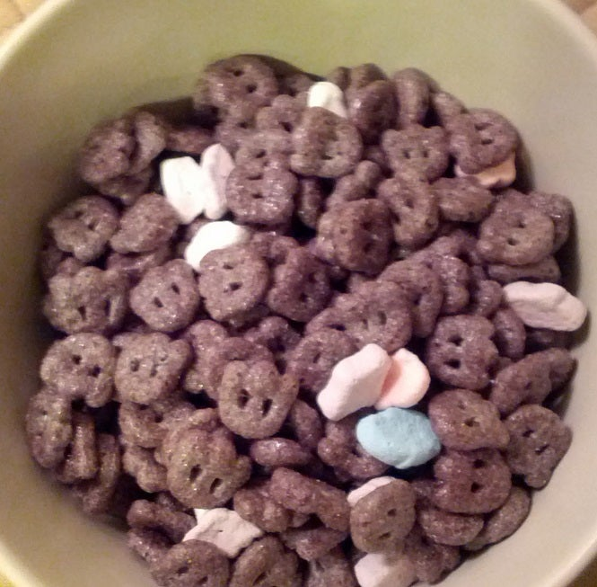 SnackTAYku: Monster Cereals - Boo Berry