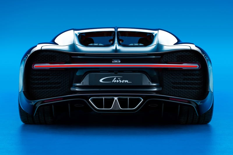 'Bugatti Chiron: This Is It' from the web at 'http://i.kinja-img.com/gawker-media/image/upload/s--QGtEPBjW--/c_scale,fl_progressive,q_80,w_800/dt667lgjkvcdmhri7nbu.jpg'