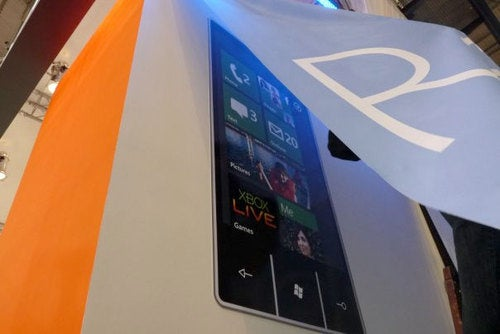 Microsoft To Unveil Xbox Live Mobile Today