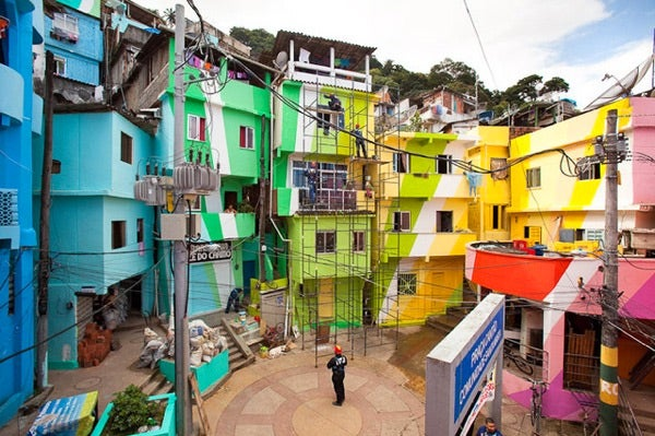 Dutch Artists Bring the Rainbow to Rio Slums