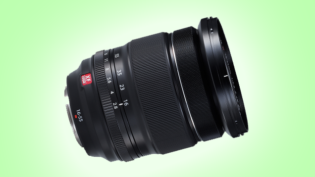 Fujfilm's 16-55mm f/2.8 Lens Is an All-Weather Zoom With No Compromise
