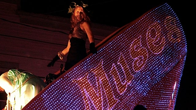 Lady Mardi Gras Krewe Rectifies Girl's Horrible Parade Experience