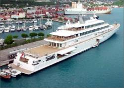 Your Future Job: Superyacht Deckhand